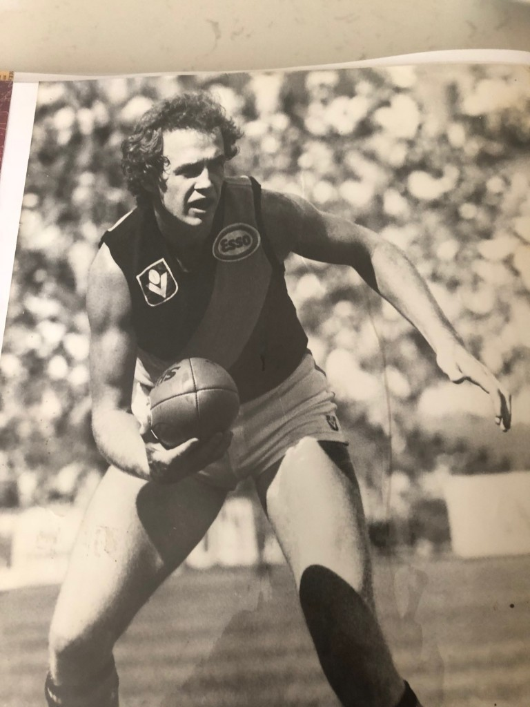 Mugavin spent a short time at Richmond where he played two games before injury curtailed his 43-game career.